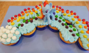My Little Pony Rainbow Cupcakes