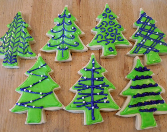 Christmas Tree Cookies – 7 Ways and Just 2 Colors