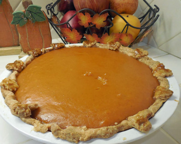 Make a Perfect Pumpkin Pie with Crust Shapes
