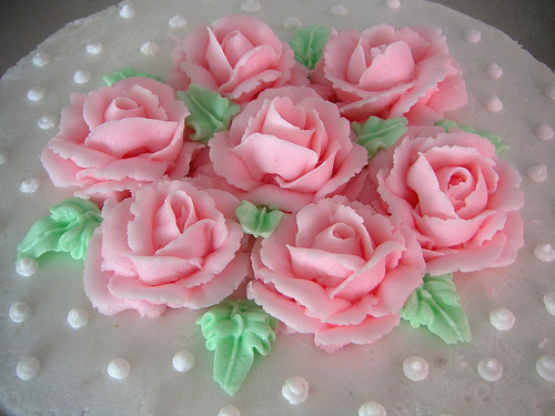 How to Make a Frosting Rose the Easy Way