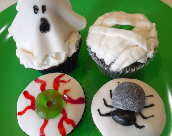 Halloween Cupcakes – Ghost, Spider, Mummy & Spooky Eye