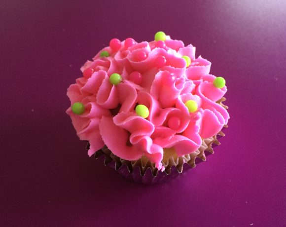 DIY Piping Tip for Flower Cupcakes