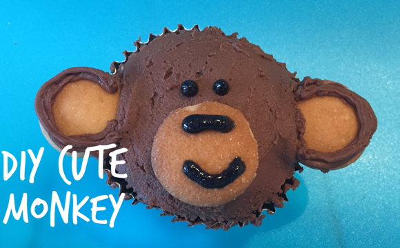 Simple & Cute Monkey Cupcakes with Kids